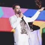 Mike Bahía arrasa en los premios Heat y estrena con éxito su single LA LÁ.