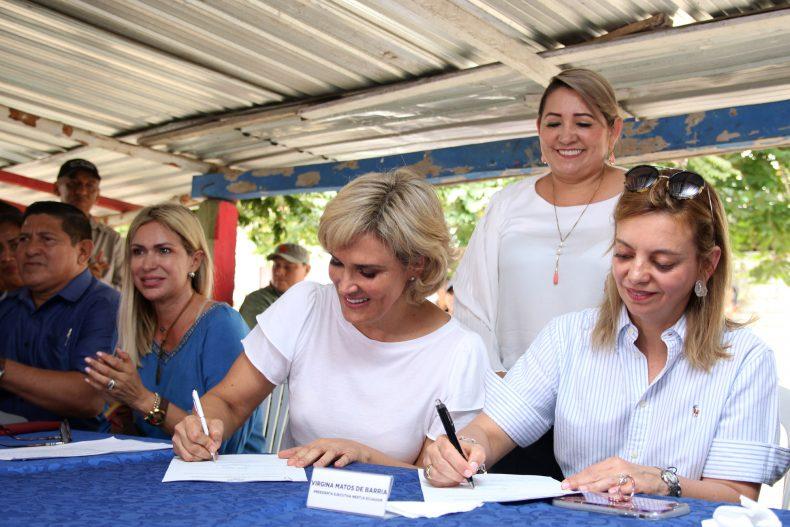 Municipio de Guayaquil y Nestlé firman convenio para potencializar la producción agrícola en Isla Puná