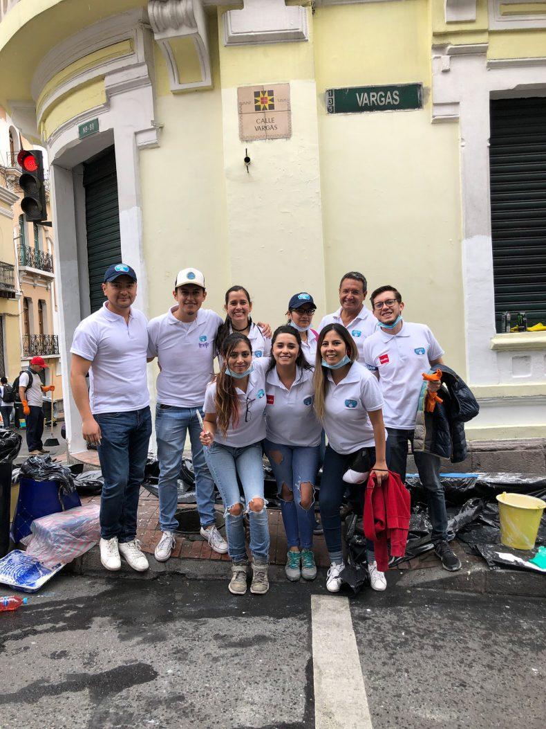 El equipo Alpina se unió a la Minga por Quito