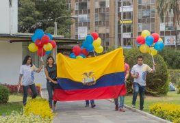 Descuentos de hasta el 50% por el Día del Orgullo Ecuatoriano y entrega de insignias a ecuatorianos que inspiran